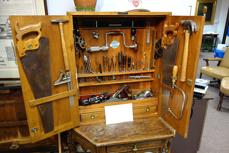 Stanley_Tools_toolchest_-_New_Britain_Industrial_Museum_-_DSC09848