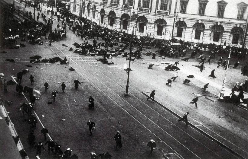 19170704_Riot_on_Nevsky_prosp_Petrograd.jpg